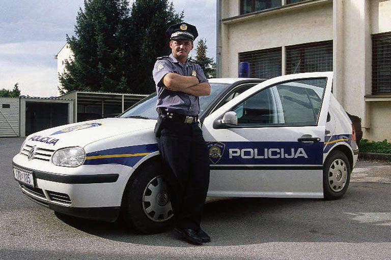 Horvát rendőr