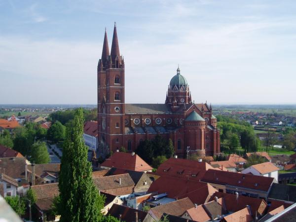 Diakovár és a Szent Péter-székesegyház