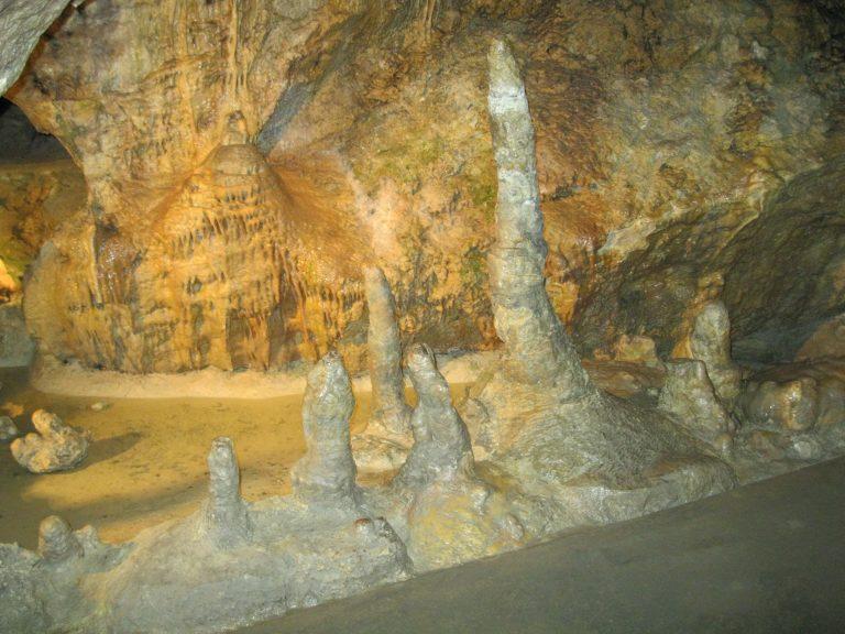 Pál-völgyi-cseppkőbarlang