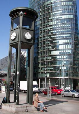 A Potsdamer Platzon villantak fel először a közúti lámpák