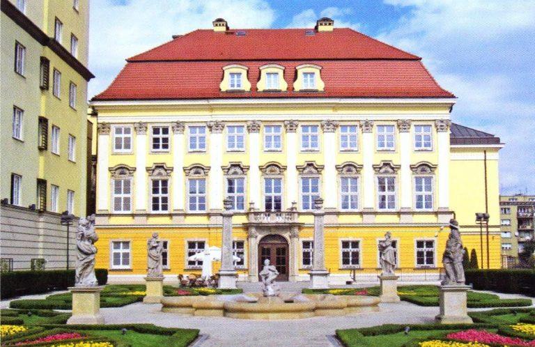 Királyi Palota, ahol a Történeti Múzeum működik