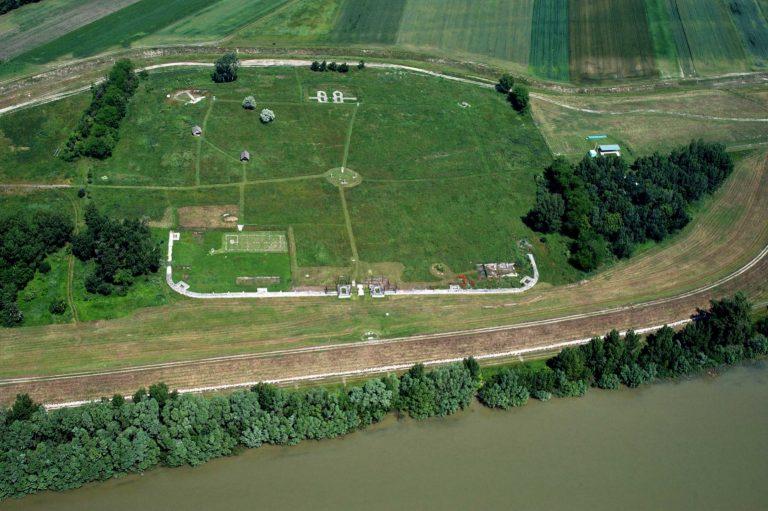 Izsai római tábor