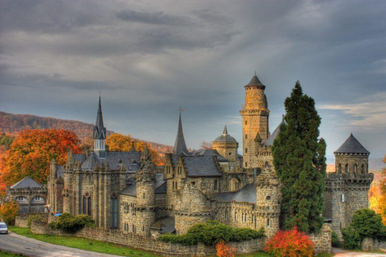 Löwenburg kastély