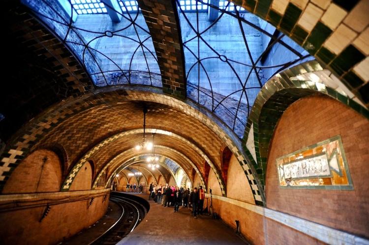 A Régi Városháza metrómegállója