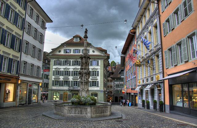 Weinmarkt tér