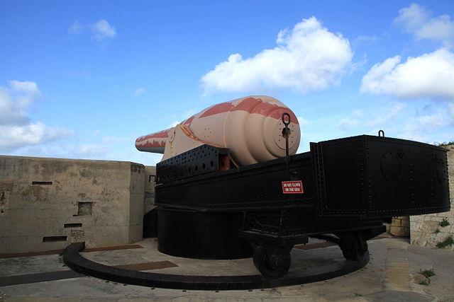 Fort Rinella száz tonnás ágyúja
