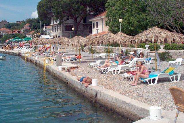 Đenovići strand