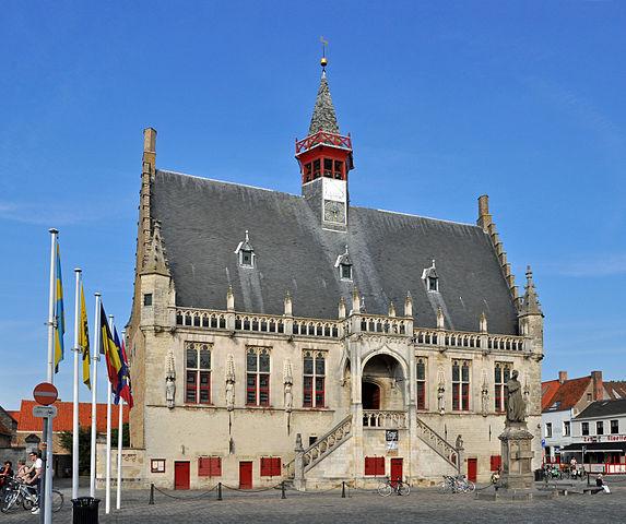 Városháza, Damme